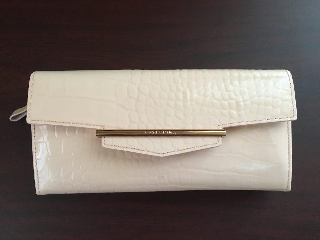 アンテプリマ財布買った